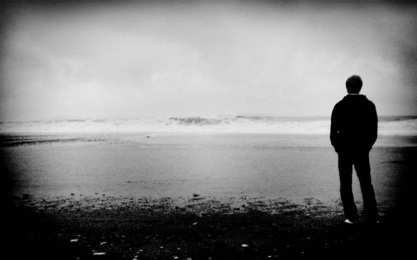 2014-03-26-Alone_Man1440x900