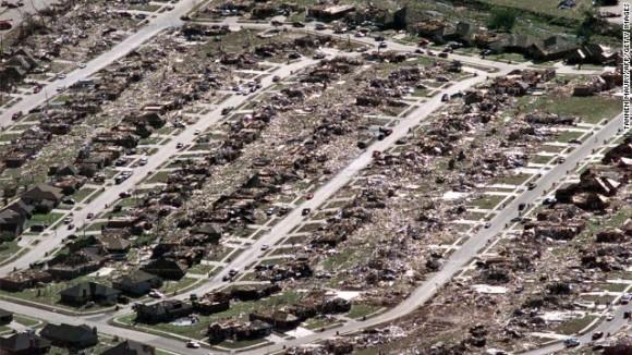 130520183707-moore-oklahoma-tornado-1999-story-top