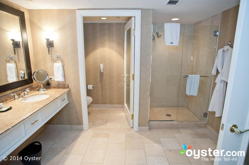 corner-suite--v1026982-57-800